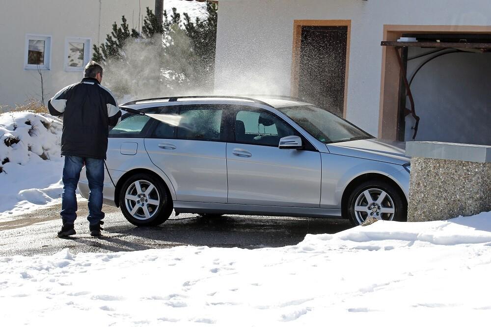 Mycia auta zimą